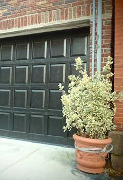 Garage Door Replacement Near Studio City